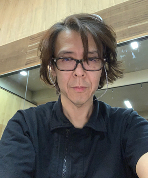 横内謙介Photo